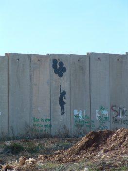 Ik bekritiseer Israël omdat ik om haar geef