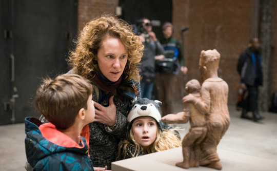Gaat het Renzo Martens lukken de kapitaalstroom in de kunstwereld eerlijker te verdelen? 3