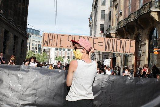 Hard//talk: De goede kant van de geschiedenis is solidair, ook als het even niet uitkomt