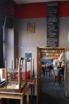 Het verlaten café blijft een haven 1